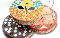 Cake-Frosting Steppingstones  -- unique garden stepping stones are as easy as frosting a cake!
