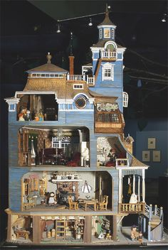 There's a Moomin Museum? Moomin House Built by Pentti Eskola, Tuulikki Pietilä and Tove Jansson. Moomin Museum in Tampere, Finland Tove Jansson, Miniature Rooms, Miniature Houses, Dollhouse Dolls, Dollhouse Miniatures, Victorian Dollhouse, Moomin House, Fairy Houses, Doll Houses