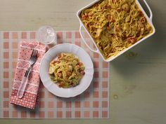 Try VELVEETA® Easy Spicy Chicken Spaghetti as a simple weekday entrée. This spicy chicken spaghetti recipe contains suggestions for additional heat! Spicy Chicken Spaghetti Recipe, Chicken Spaghetti Velveeta, Chicken Spagetti, Garlic Parmesan Spaghetti Squash, Cream Of Chicken Soup, Kraft Recipes, Ww Recipes, Turkey Recipes, Chicken Recipes