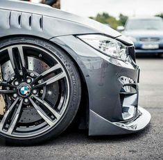 BMW F82 M4 grey slammed