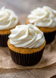 The fluffiest, most flavorful pumpkin cupcakes topped with the creamiest cream cheese frosting. I make these every year for Thanksgiving! - Sprinkle Some Sugar Pumpkin Spice Cupcakes, Pumpkin Dessert, Pumpkin Cheesecake, Lemon Layer Cakes, Lemon Bundt Cake, Cupcake Recipes, Cupcake Cakes, Gelato, Butter Pound Cake