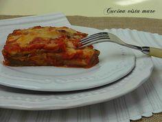 La parmigiana di melanzane è napoletana o siciliana? E' un piatto unico o un contorno? Le melanzane devono essere impanate? Fritte? Grigliate?