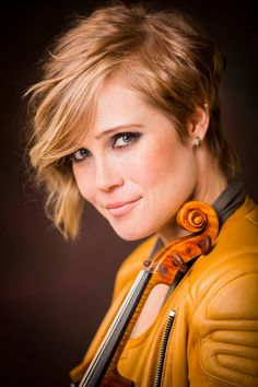 Superstar violinist Leila Josefowicz has awesome hair.