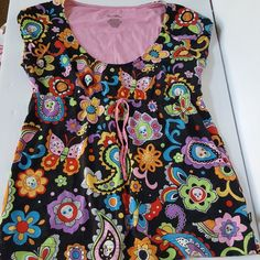 dcff706c9b Nick   Nora Sleepwear Pajama Top. Size Small. Black Background with  Colorful Pattern of