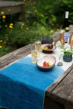 Set the scene for a chic outdoor feast with an indigo-dyed linen table runner. #etsy