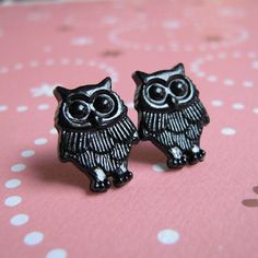 Owl Earrings - for Beanie.  Maybe they're buttons?