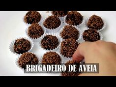 Um blog para quem gosta de receber, comer e cozinhar com estilo. Receitas e dicas práticas para deixar o dia a dia ainda mais saboroso. Raw Vegan Recipes, Veg Recipes, Vegan Foods, Vegan Desserts, Vegetarian Recipes, Dairy Free Diet, Vegan Gluten Free, Vegan Life, Going Vegan