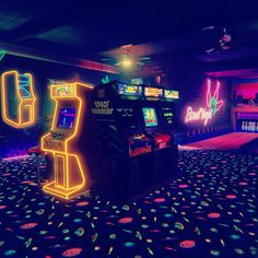 By insideglitch: Wasn't around for the Golden Age but I did enjoy my experience Anarcade gameorcoin-opis acoin-operatedentertainment machine typically installed in public businesses such as restaurants bars andamusement arcades. Most arcade games arevideo Vaporwave, Neon Rose, Arcade Room, Neon Aesthetic, Night Aesthetic, Cyberpunk Aesthetic, Aesthetic Images, Aesthetic Anime, House Ideas
