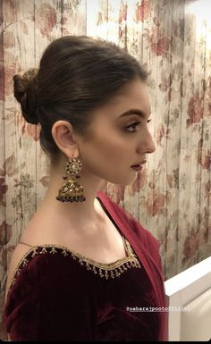 Neha rajpoot attending wedding in lahore Pakistani Bridal Wear, Pakistani Dress Design, Pakistani Outfits, Party Wear Dresses, Cute Dresses, Bridal Dresses, Casual Dresses, Hairstyle With Suit, Indian Designer Outfits