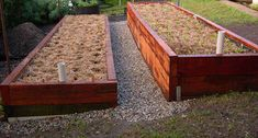 Worm Beds Wicking Beds - seems like the best long term solution to reduce water usage and deal with TN summer heat.Wicking Beds - seems like the best long term solution to reduce water usage and deal with TN summer heat. Wicking Garden Bed, Wicking Beds, Building A Raised Garden, Raised Garden Beds, Worm Beds, Raised Vegetable Gardens, Terraced Vegetable Garden, Veggie Gardens, Self Watering