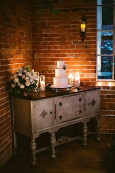 Ultra Romantic Los Angeles Wedding from Stacey Lynn Designs at the Carondelet House - MODwedding The Effective Pictures We Offer You About romantic wedding cake flowers A quality picture can tell you Wedding Cake Table Decorations, Wedding Cake Display, Wedding Desserts, Wedding Cake Backdrop, Vintage Wedding Cake Table, Table Wedding, Mod Wedding, Chic Wedding, Wedding Ideas