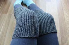 Tummanharmaat polvenlämmittimet / säärystimet - Knee / leg warmers, dark grey