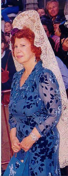 Duquesa de Alba con mantilla blanca