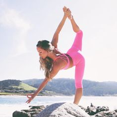 Jacquelyn Umof reaches for the sky in the #AloYoga Airbrush Capri #yoga #inspiration #goals