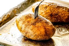 showing how to make twice baked potatoes by piercing with a fork to show they are tener Easy Twice Baked Potatoes, Baked Potato Recipes, Potato Dishes, Veggie Dishes, Side Dishes, Potato Pie, Supper Recipes, Supper Meals, Yummy Recipes