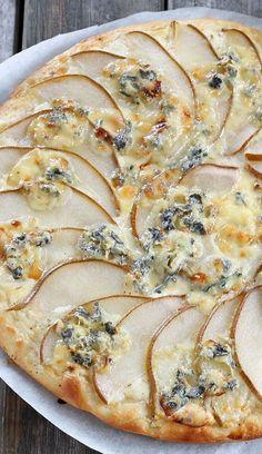 Pizza poire et fourme d'ambert