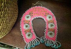 Iroquois beaded Niagara Falls souvenir beadwork on Pink Felt Horseshoe Vintage