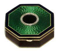 Cartier compact. Platinum. 14 karat gold, diamonds and enamel. C. 1920s
