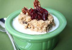 A Hot Breakfast: 10 Nourishing Oatmeal & Porridge Recipes to Warm Winter Mornings Porridge Recipes, Oatmeal Recipes, Yummy Oatmeal, Oatmeal Flavors, Cereal Recipes, Homemade Instant Oatmeal, Oatmeal Porridge, Overnight Porridge, What's For Breakfast