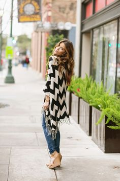 Love this black and white chevron sweater for fall