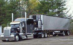 Big KW with spread axle reefer trailer Big Rig Trucks, Semi Trucks, Cool Trucks, Freightliner Trucks, Peterbilt 379, Custom Big Rigs, Custom Trucks, Big Ride, Freight Truck