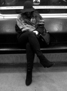 subway pose