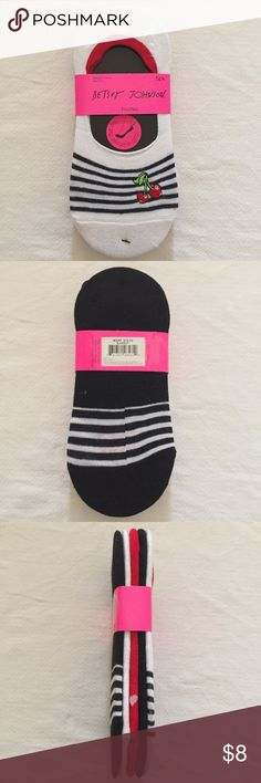 Betsey Johnson Footies No-Show Socks 5-Pack This is a pack of 5 Betsey Johnson footies. These socks feature cute designs and embroidered motifs, plus they have no-slip silicone grip. They are sock size 9-11 and are brand-new. If you have any questions, please ask! Betsey Johnson Accessories Hosiery & Socks