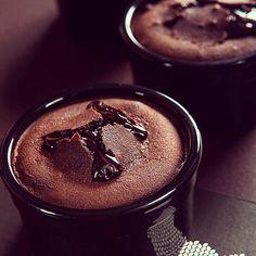 """27 """"Μου αρέσει!"""", 1 σχόλια - Theodosis Georgiadis (@theodosis) στο Instagram: """"Chocolate soufflé photo by #theodosisgeorgiadis #foodphotography #tastespotting #instafood #food…"""""""