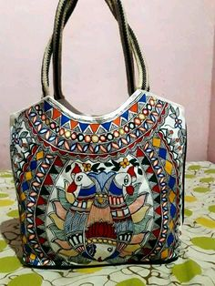 Madhubani Art, Madhubani Painting, Indian Folk Art, Diy Dress, Diy And Crafts, Projects To Try, Plate, Paintings, Shoulder Bag