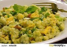 Zucchini gnocchi with eggs on bacon - Zucchini gnocchi with eggs on bacon - Bacon Zucchini, A Food, Food And Drink, Guacamole, Potato Salad, Healthy Eating, Low Carb, Vegetarian, Favorite Recipes