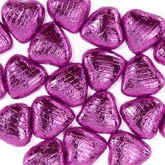 Nydelige sjokoladehjerter i lys sjokolade i folie. Kan brukes som bordpynt og som små gaver til gjestene.  Selges pr.stk ca 3x3 cm. Sjokolade selges som ferskvare og kan derfor ikke returneres. Blue Chocolate, Chocolate Hearts, Fruity Pops, Pink Candy Buffet, Cupcake Table, Whole Milk Powder, Cocoa Butter, On Your Wedding Day