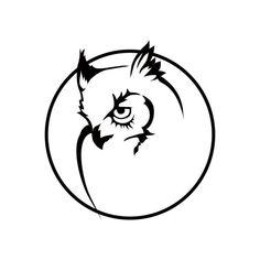 Imagen vectorial de un león — Vector de stock © korniakovstock@gmail.com #123429104 Owl Tattoo Drawings, Animal Drawings, Buho Logo, Owl Stencil, Owl Artwork, Arrow Tattoo Design, Owl Vector, Owl Logo, Simple Line Drawings