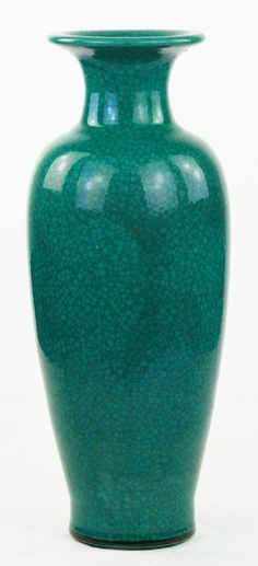 """A Big Chinese Antique Green Glazed Porcelain Vase: applied overall with green glaze with crack network; Size: H: 20"""""""