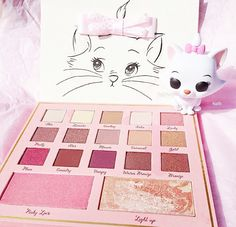 OH I screamed my little heart out when I seen this. I want it so bad. It's so pretty