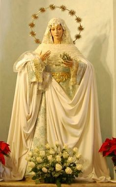Virgen de la Paz, Andalucia, Spain Jesus Mother, Blessed Mother Mary, Divine Mother, Blessed Virgin Mary, Religious Icons, Religious Art, Immaculée Conception, Arte Sci Fi, Lady Of Lourdes