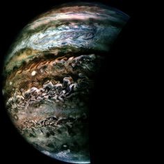 These latest snaps were taken by NASA's Juno spacecraft during its seventh science flyby over Jupiter. Sistema Solar, Constellations, Nasa Juno, Juno Spacecraft, Jupiter Planet, Planets And Moons, Gas Giant, Space And Astronomy, Hubble Space