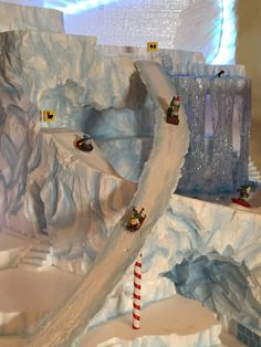 Explore Nicki's 622 photos on Flickr! Christmas Town, Diy Christmas Cards, Christmas Villages, Christmas Crafts, Christmas Decorations, Xmas, Diy Christmas Village Platform, Halloween Village Display, Ski Hill