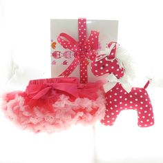 Gorgeous baby pettiskirt with a Kate Finn horse. Perfect #babygirlgift #corporatebabygift