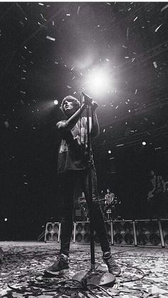 Oliver Sykes    Bmth