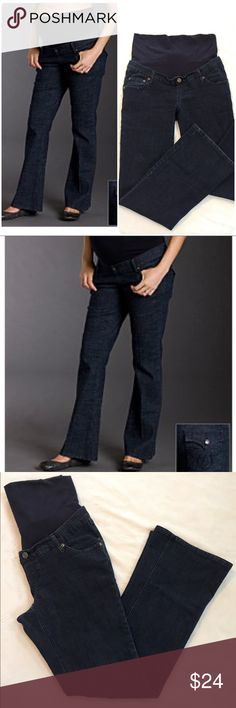 """Three Seasons Maternity Flare-leg Jeans PRODUCT DETAILS Get the best of comfort and style with these fashionable flared jeans from Three Seasons Maternity that feature an elastic waist belly band, providing comfort throughout all stages of pregnancy.  Approximate 32"""" inseam Dark wash Faux fly front Natural belly Five pocket design Fabric: Cotton / polyester / spandex blend  Size: Medium (Maternity)  These jeans are stylish and also have plenty of stretch, making them super comfortable…"""