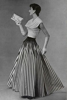Nina Ricci ensemble 1955                                                                                                                                                                                 More
