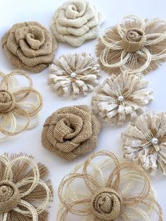 Burlap Flower Set of 10 – Burlap Wedding Cake Flower, Shabby Chic Flower, Rustic Baby Shower Decorations, Farmhouse Wedding Cake Topper Jute Blumensortiment Cake Topper Shabby Twine Flowers, Shabby Flowers, Fabric Flowers, Diy Flowers, Flower Diy, Handmade Flowers, Fleurs Style Shabby Chic, Flores Shabby Chic, Burlap Rosettes