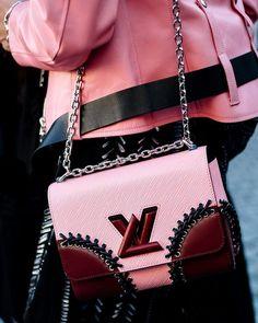 1e91b9febe For the baddest pins FOLLOW  VinaKsena مجد 🦋 Fashion Bags