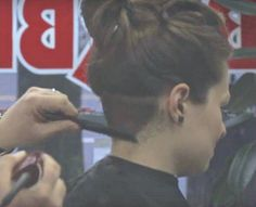 Side Shave, Shaved Sides, Barber Chair, Undercut, Fall Hair, Capes, Barber Shop, Shaving, Sexy