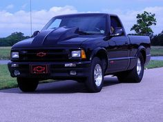 1995 Chevrolet s10 Pro street s10 This truck is so sweet! Mini Trucks, Hot Rod Trucks, Cool Trucks, Cool Cars, Chevrolet Trucks, Chevy Trucks, Pickup Trucks, S10 Truck, Chevy Luv