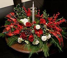 Festive Table Centerpiece #holiday #christmas #decor