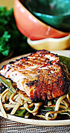 Asian salmon and noodles (sorry, the link doesn't seem to point to the correct recipe.... repins, what can you do...)