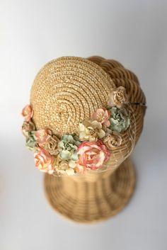 Straw mini hat flowers millinery headpiece by thePoppynet Wedding Guest Fascinators, Headpiece Wedding, Bridal Fascinator, Sombreros Fascinator, Silver Headband, Cocktail Hat, Flower Hats, Flower Crown, Love Hat