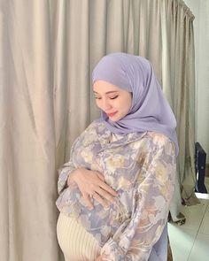 Hijabi Girl, Beautiful Hijab, Maternity Pictures, Hot, Model, Instagram, Fashion, Maternity Shoots, Moda