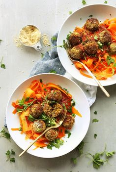EASY Lentil meatballs! 30 minutes, 10 ingredients, flavorful and hearty! #vegan #glutenfree #healthy #recipe